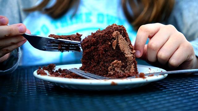 cake_eat.jpg
