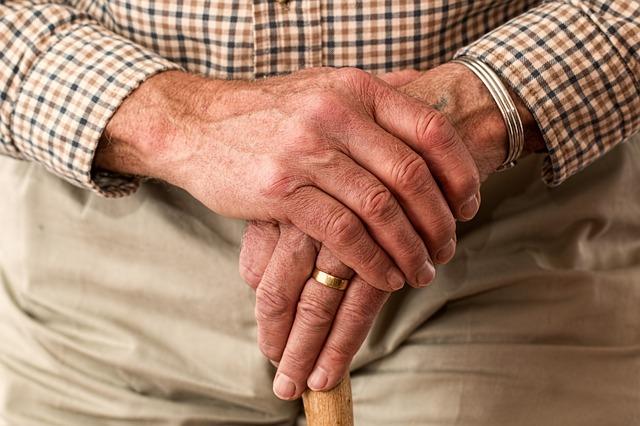 elderly_hand.jpg