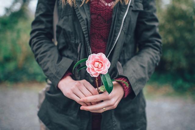 woman_flower.jpg