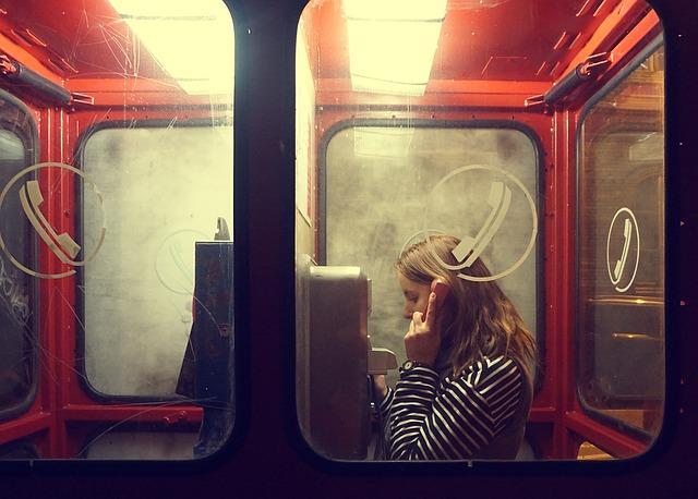 woman_phone.jpg